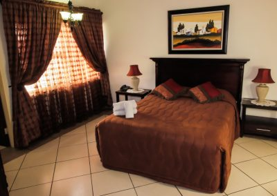 Midway Inn Luxury Suites